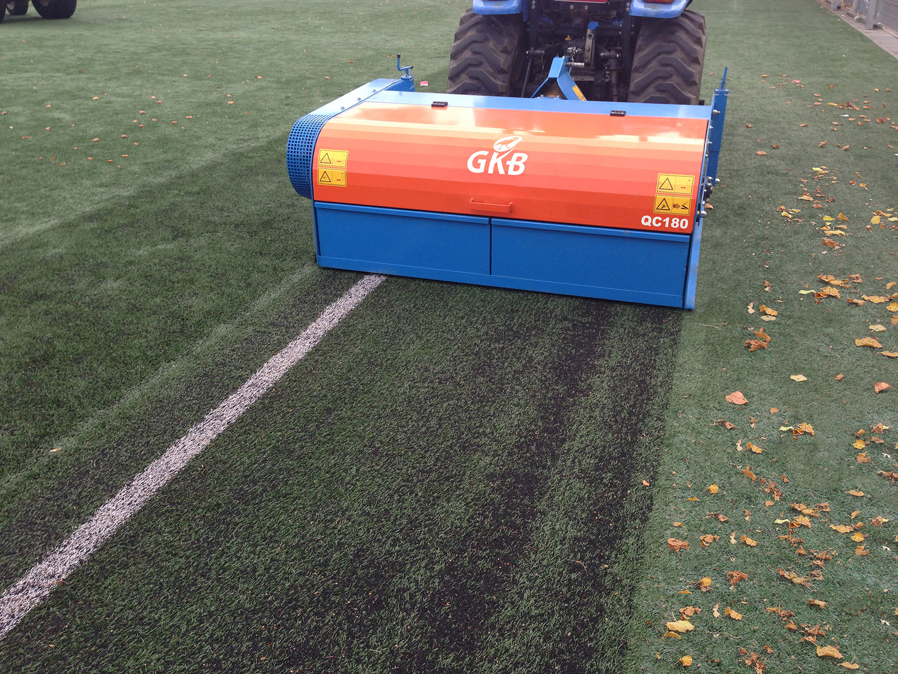 Image of Quick Clean – cleans synthetic turf pitches quickly